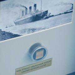 Fragment van een dekstoel van de Titanic